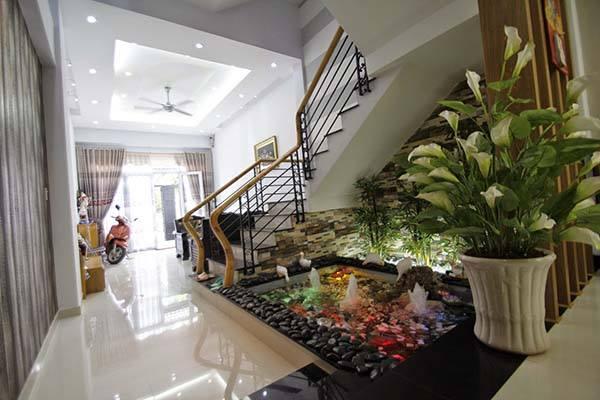 Pebble Garden Under Stairs Home Designs Inspiration