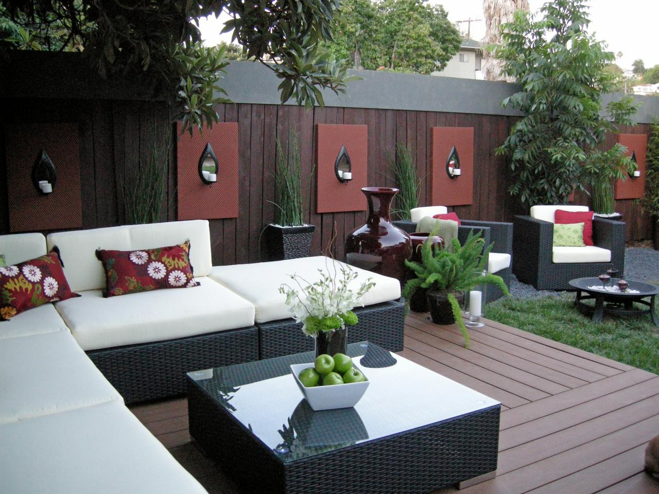Dark Patio Furniture Decor