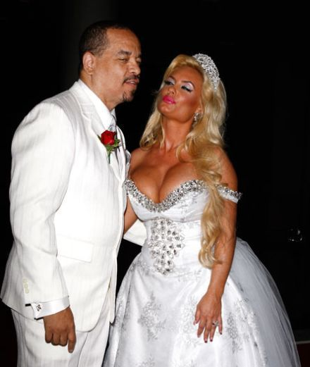 Horrible Wedding Dresses: These 15 Worst Wedding Dresses Of All The Time!